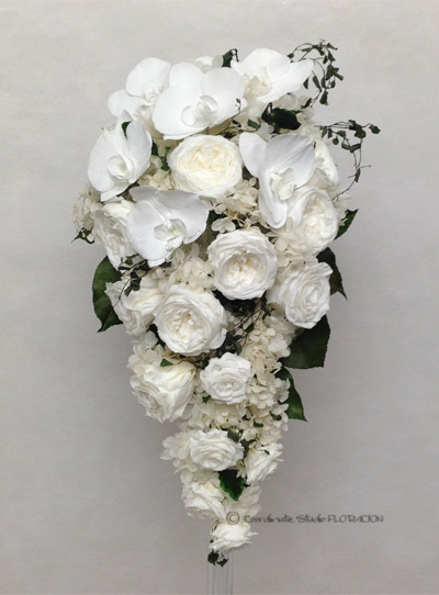 プリザーブドフラワー キャスケードブーケ 胡蝶蘭 白バラ