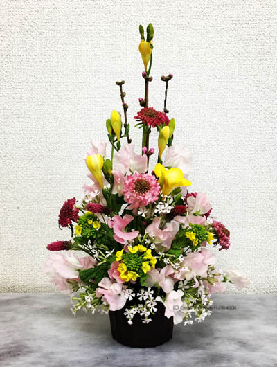 フラワーアレンジメント 生花 トライアンギュラー 雛祭り
